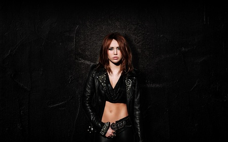Miley Cyrus - people, celebrity, songwriter, miley cyrus, actresses, music, singer, entertainment