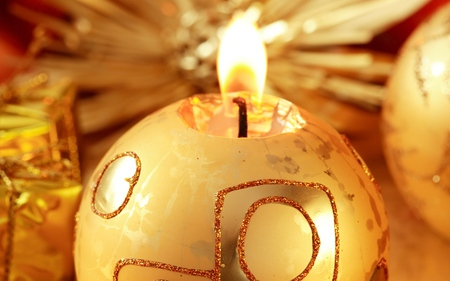 Candle - holidays, garland, candles, new year, cute, lovely, decorations, christmas, golden, photography