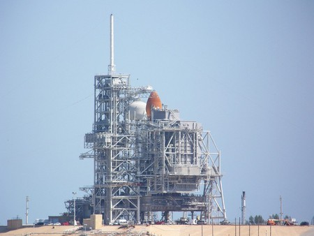 Shuttle On Pad - space, sky, shuttle, aircraft