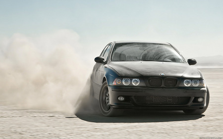 BMW 750 - drift, power, photography, luxury, speed, bmw, cars