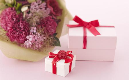 Valentine's gifts - flowers, photography, gifts, boxes, presents, love, valentines day, romance
