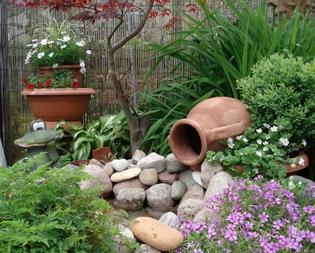Good Lovely Garden Corner