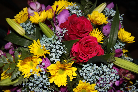 Bouquet of Flowers to all my friends on DN - green, flowers, yellow, photography, roses, white, red, bouquet, Daisy