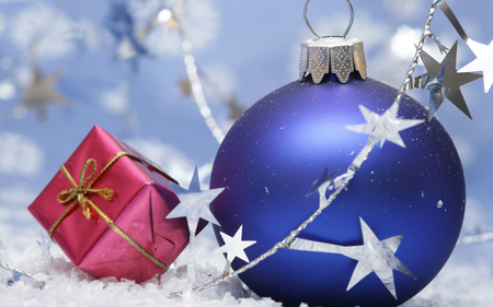 ☆ Christmas atmosphere ☆ - forever, stars, fashion, love, entertainment, gift, deep blue, present, joy, silver, believe, christmas, ball, atmosphere, light, red box, faith, hope, decor