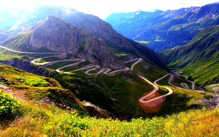 SERPENTINE ROAD - road, mountain, slope, serpent, winding